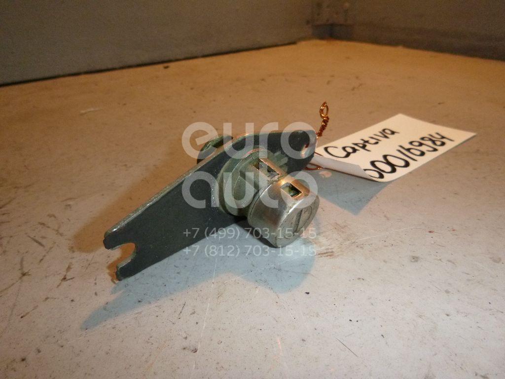 Вставка замка багажника для Chevrolet Captiva (C100) 2006-2010 - Фото №1
