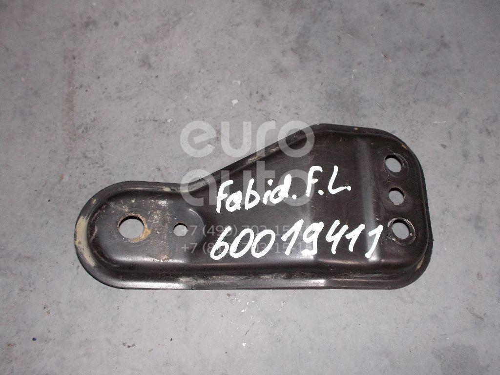 Кронштейн переднего рычага для Skoda,Audi,VW Fabia 2007-2015;A1 2010>;Polo (Sed RUS) 2011> - Фото №1