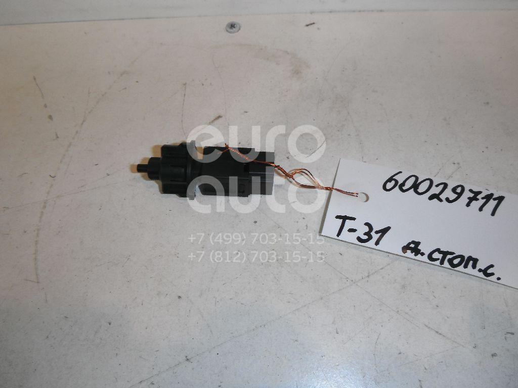 Датчик включения стопсигнала для Nissan,Infiniti X-Trail (T31) 2007-2014;Murano (Z50) 2004-2008;Pathfinder (R51M) 2004-2013;Teana J31 2006-2008;Primera P12E 2002-2007;X-Trail (T30) 2001-2006;Navara (D40) 2005-2015;QX56 (JA60) 2004-2009 - Фото №1
