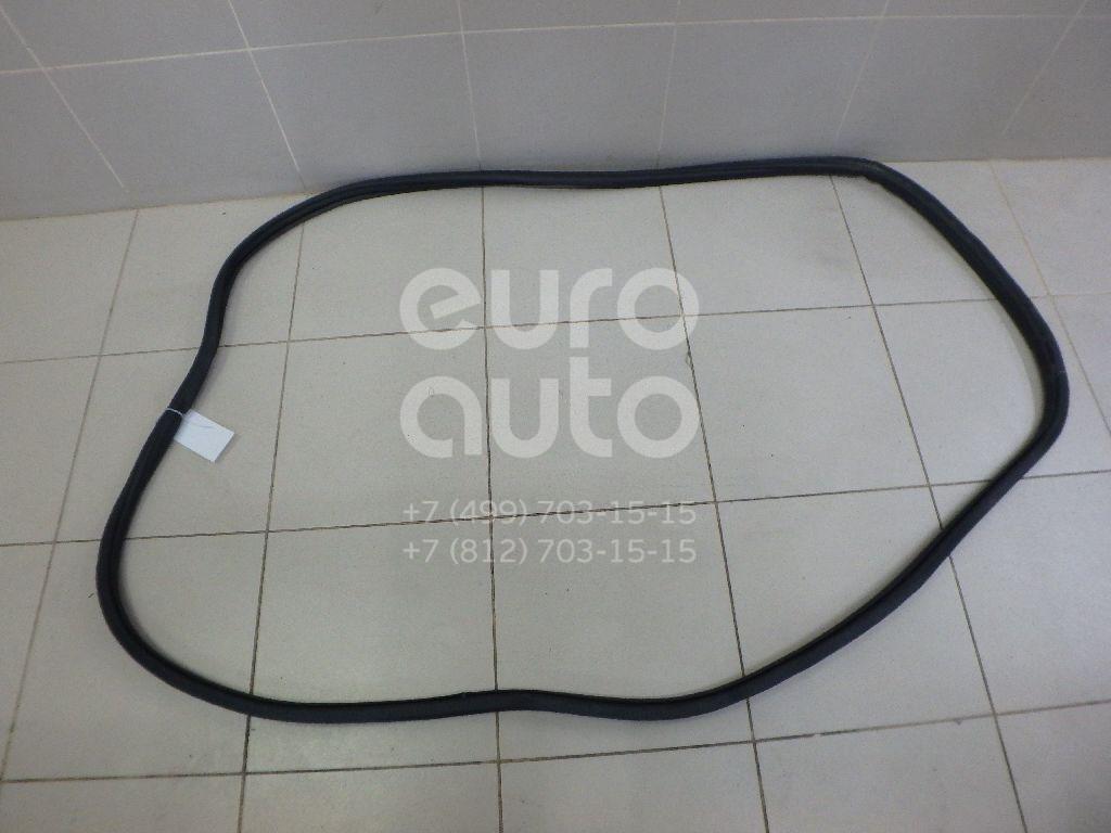 Купить Уплотнитель двери VW Touareg 2010-; (7P0867365C)