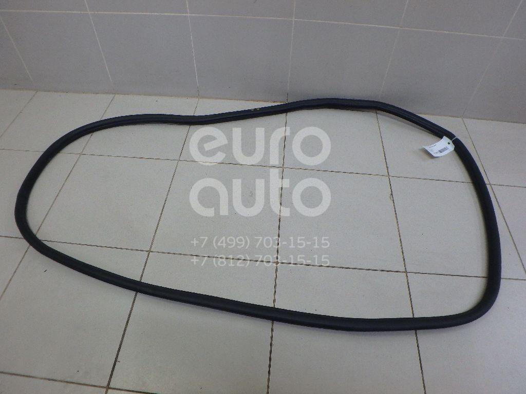Купить Уплотнитель двери VW Touareg 2010-; (7P0867367E)