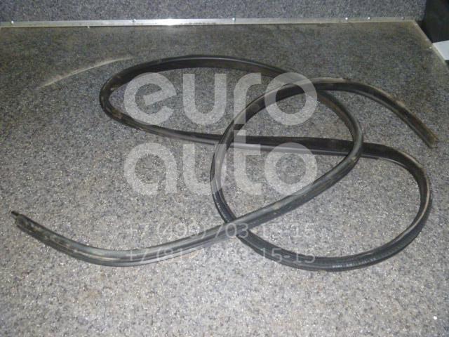 Купить Уплотнитель (внутри) Land Rover Range Rover III (LM) 2002-2012; (CGE000392)