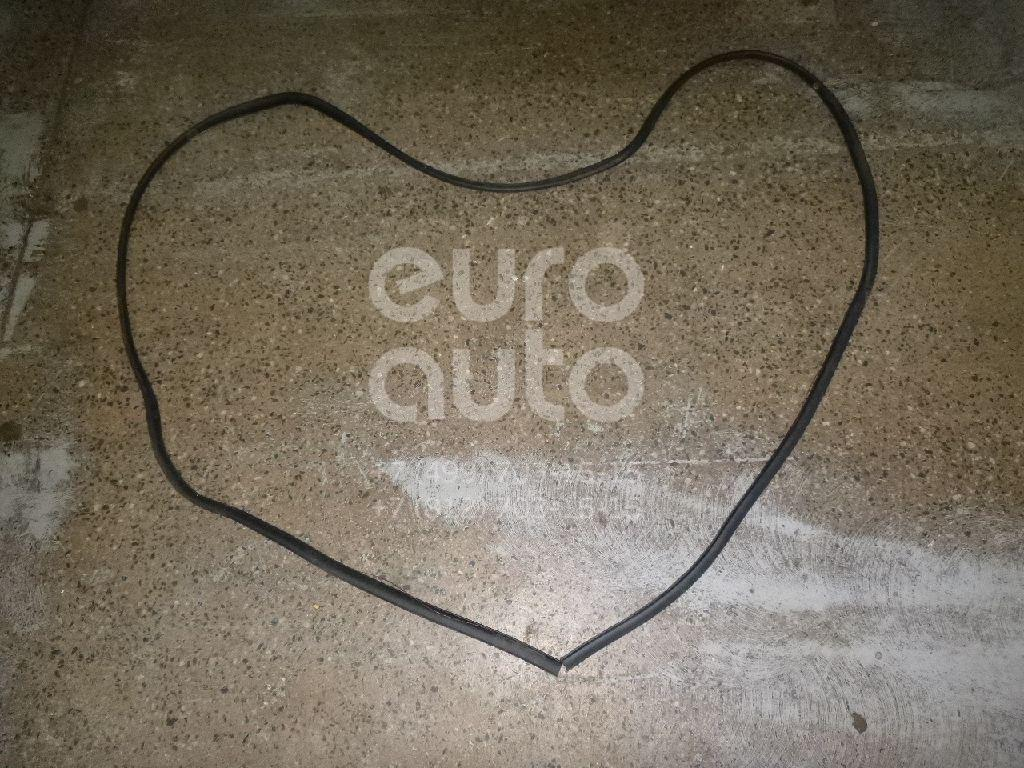 Купить Уплотнитель двери Land Rover Freelander 2 2007-2014; (LR006532)