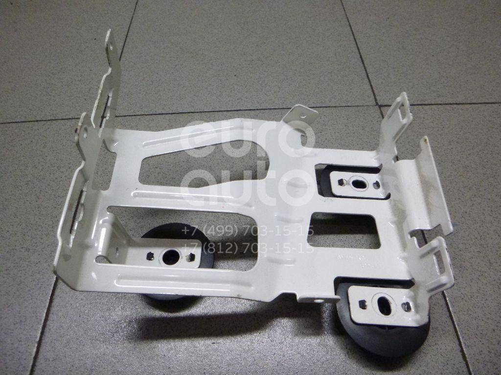 Купить Кронштейн (сопут. товар) Ford Focus III 2011-; (AV6N14A206AA)
