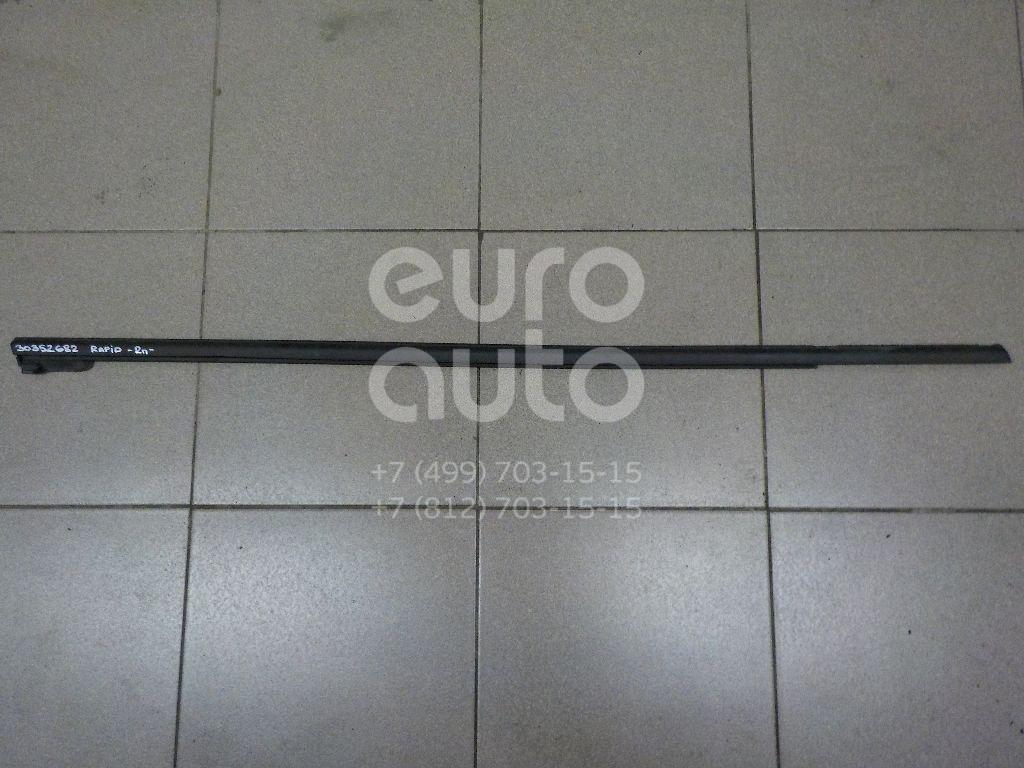 Накладка стекла переднего правого для Seat Rapid 2013>;Toledo 2013> - Фото №1