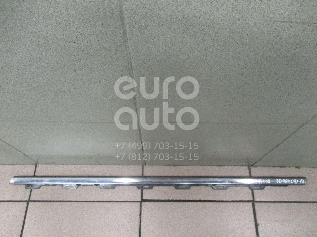 Купить Накладка стекла переднего левого Peugeot 208 2012-; (9673931480)