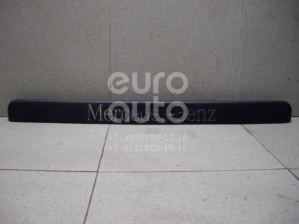 Купить Накладка двери багажника Mercedes Benz Vito/Viano-(639) 2003-2014; (6397432630)