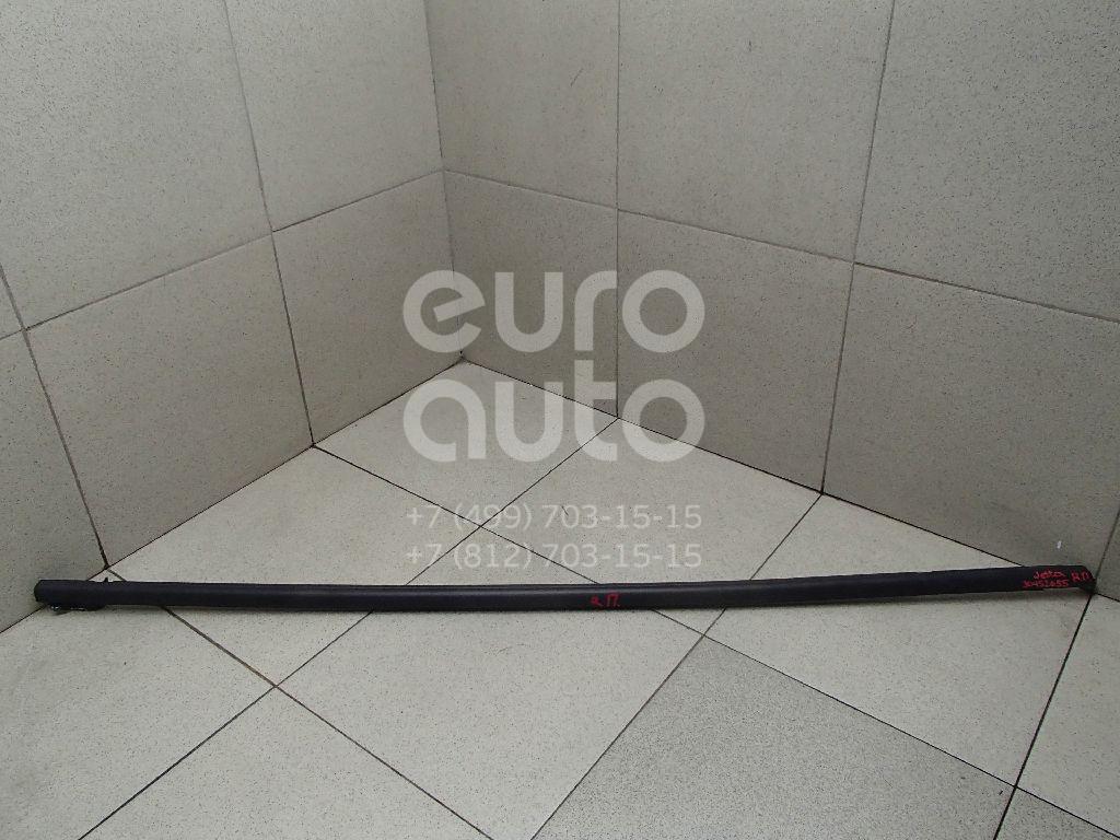 Купить Накладка стекла переднего правого VW Jetta 2011-; (5C6837478B5AP)