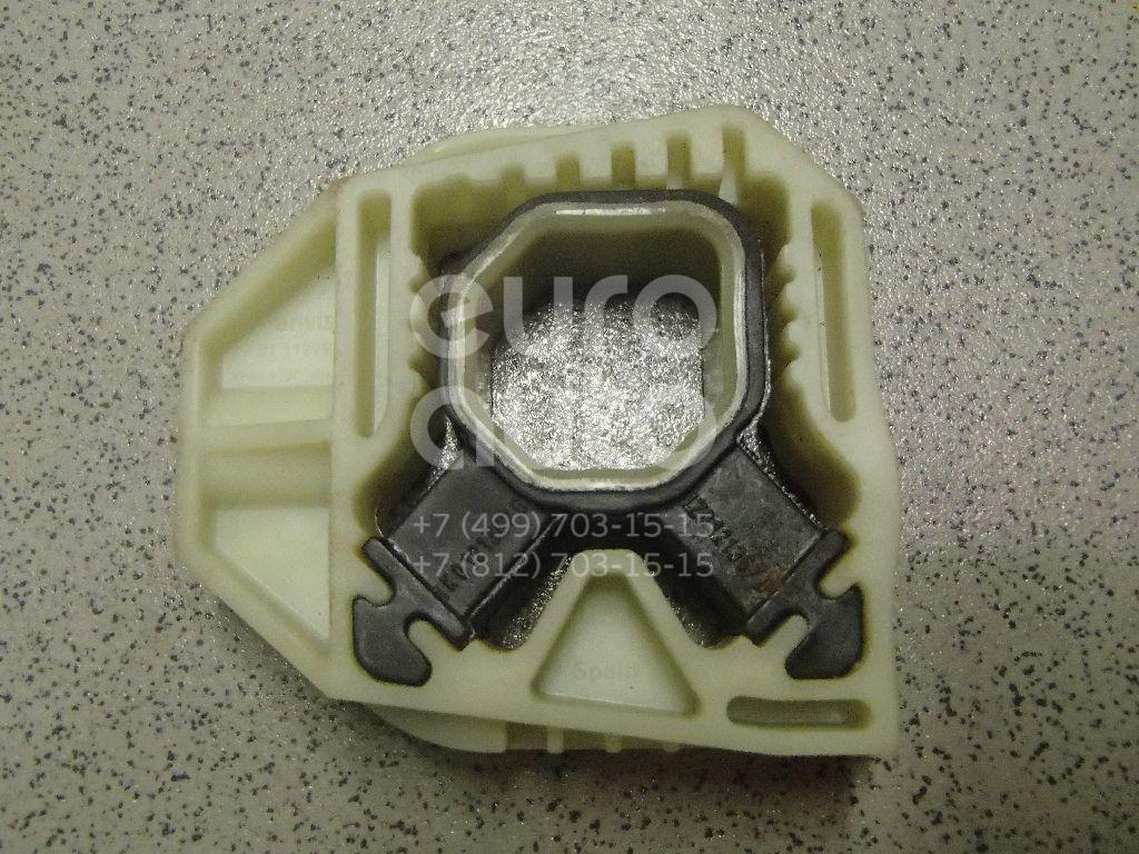 Купить Кронштейн радиатора VW Passat CC 2008-; (1K0121367G)