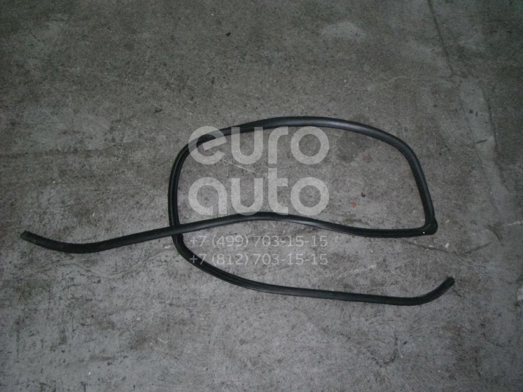 Купить Уплотнитель двери Honda HR-V 1999-2005; (72310S2H003)