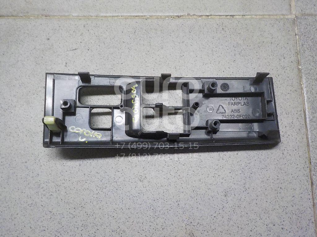 Купить Накладка блока управления стеклоподъемниками Toyota CorollaVerso 2004-2009; (742320F020B0)