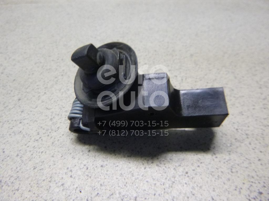 Купить Стопор лючка бензобака Nissan Juke (F15) 2011-; (78827ED00B)