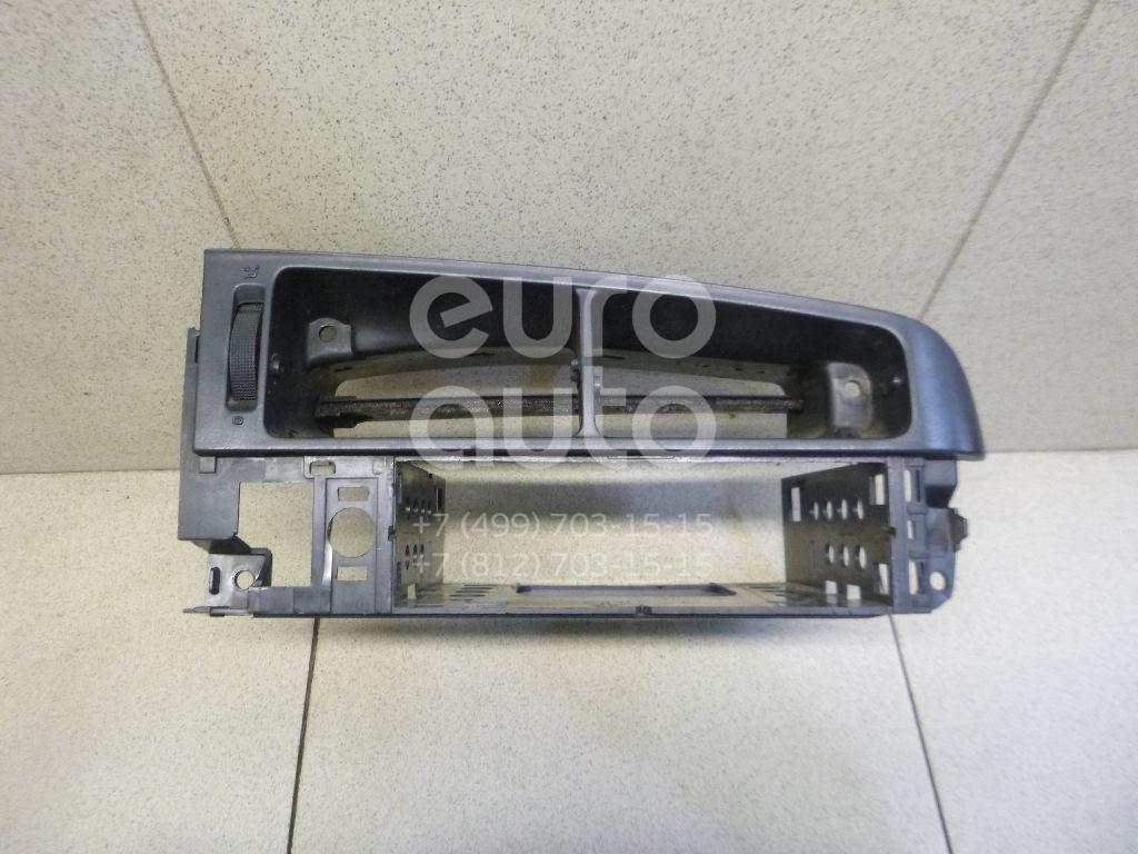 Купить Рамка магнитолы VW Golf III/Vento 1991-1997; (1E181972801C)