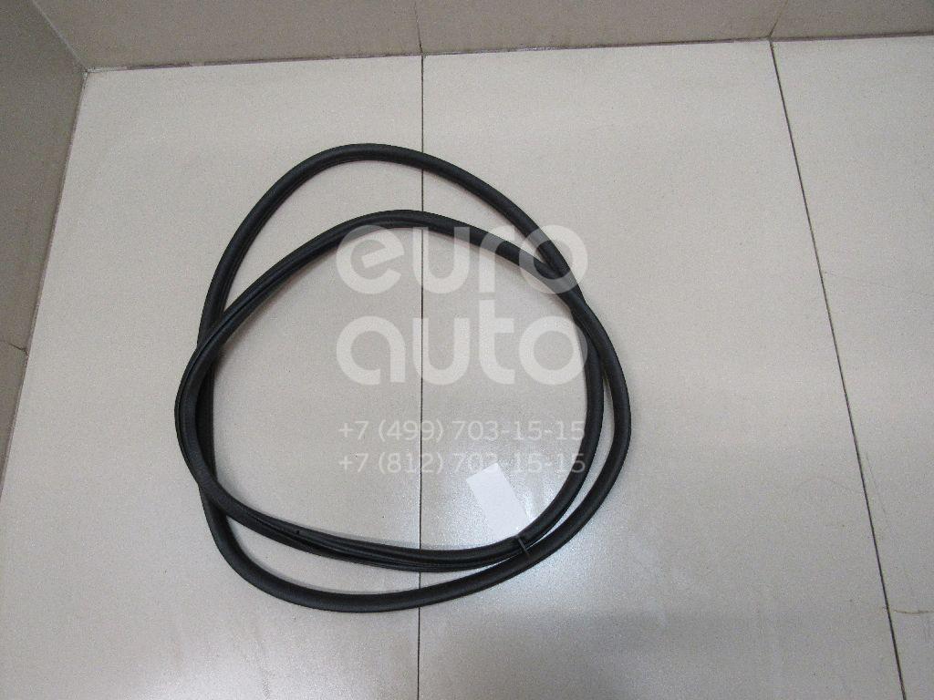 Купить Уплотнитель двери VW Touareg 2010-; (7P0837911A)