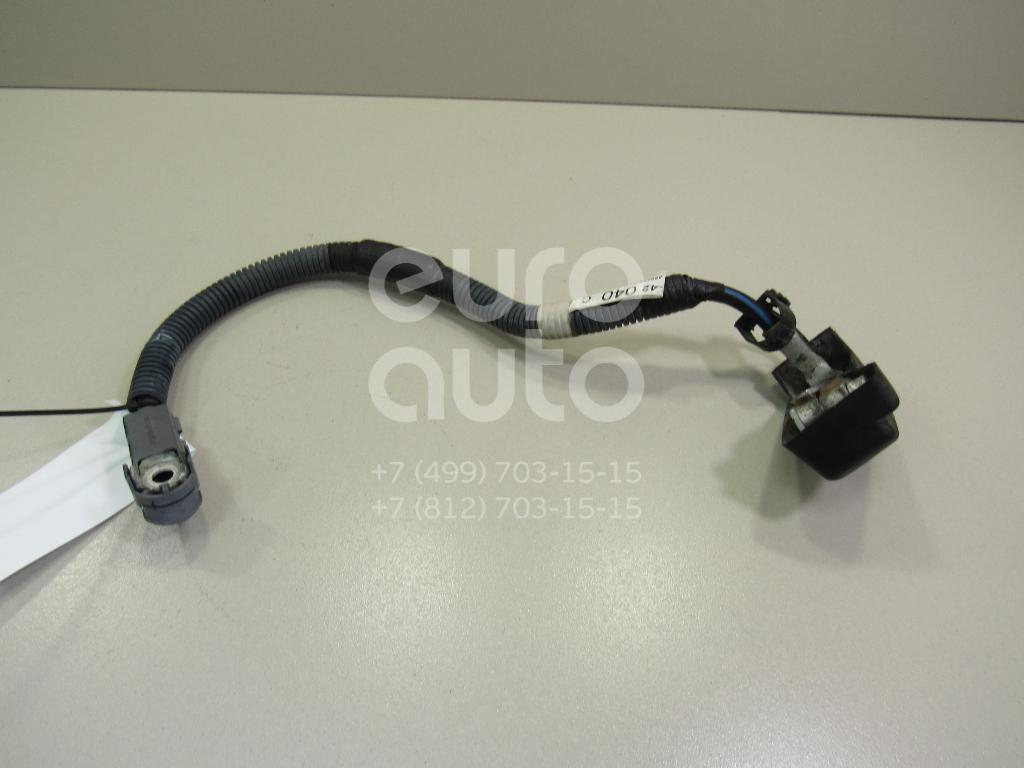 Клемма аккумулятора плюс Toyota RAV 4 2006-2013; (8212242040)