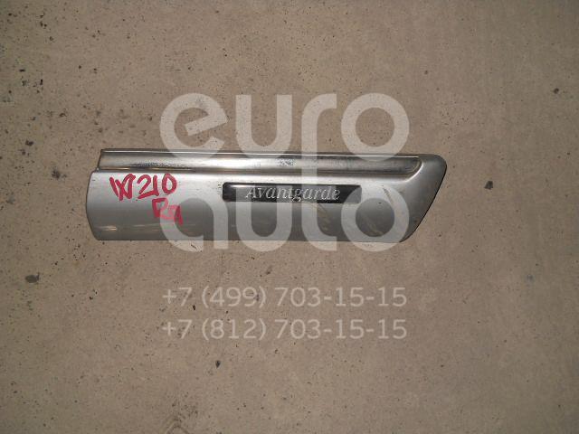 Молдинг переднего правого крыла для Mercedes Benz W210 E-Klasse 1995-2000 - Фото №1