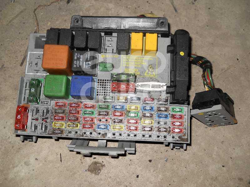 Блок предохранителей для Opel Zafira A (F75) 1999-2005;Astra G 1998-2005 - Фото №1