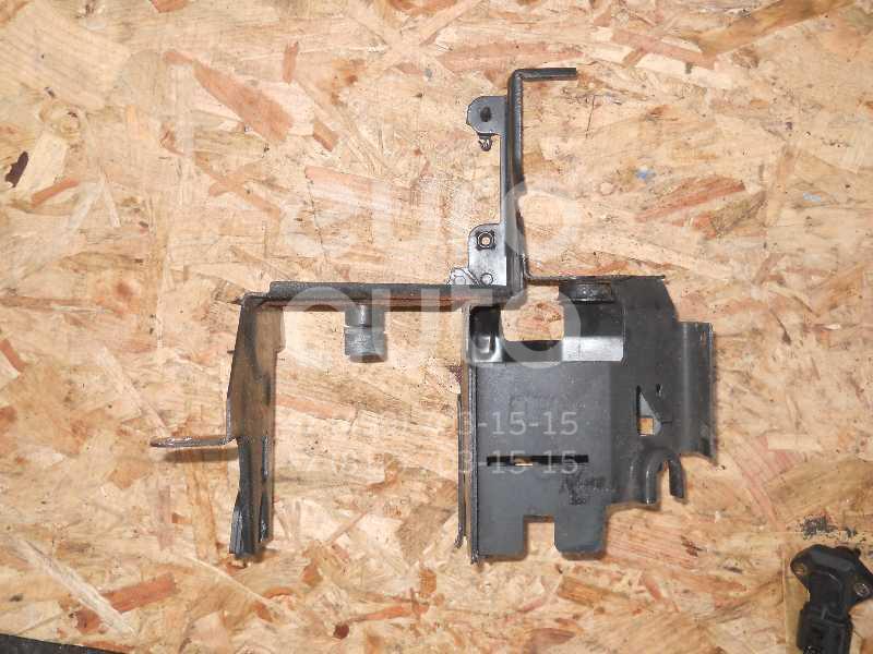 Кронштейн блока ABS (насос) для VW Passat [B5] 2000-2005 - Фото №1
