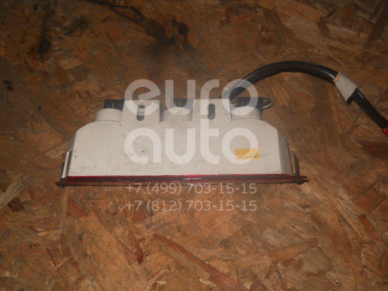 Фонарь задний (стоп сигнал) для Chrysler Voyager/Caravan 1996-2001 - Фото №1