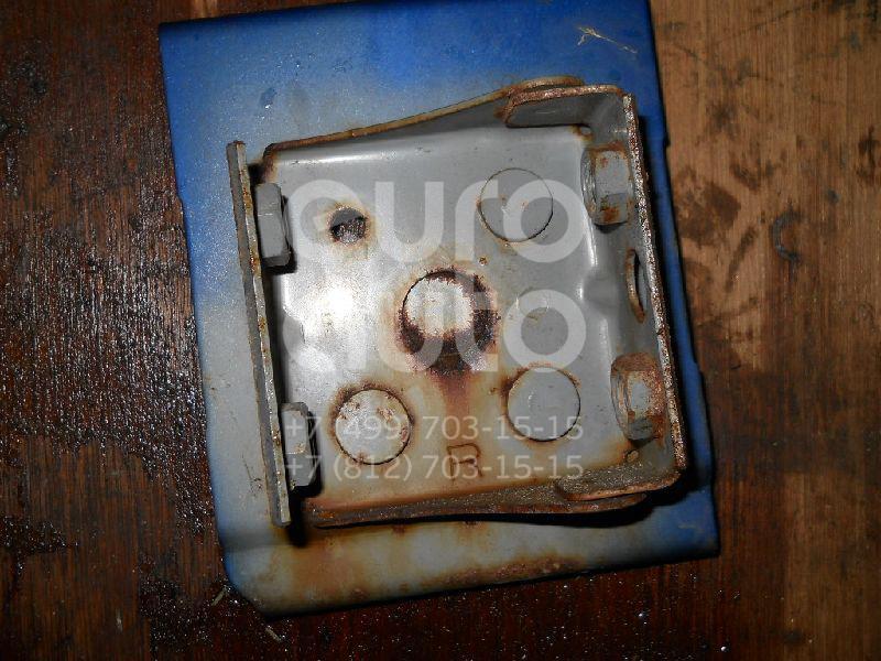 Кронштейн усилителя переднего бампера правый для Mazda MPV II (LW) 1999-2006 - Фото №1