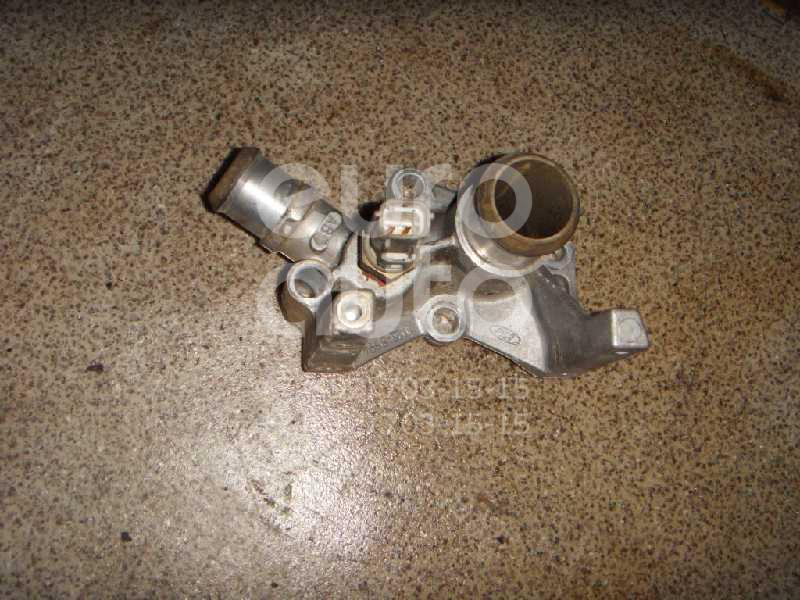 Фланец двигателя системы охлаждения для Ford Focus II 2005-2008;Fusion 2002-2012;C-MAX 2003-2011;Focus I 1998-2005;Fiesta 2001-2008;Mondeo IV 2007-2015;Focus II 2008-2011;Fiesta 2008> - Фото №1