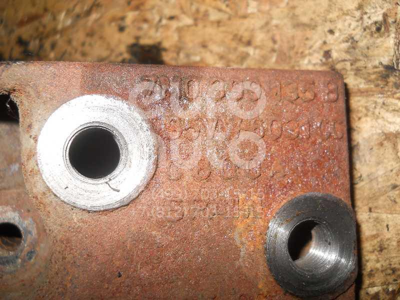 Кронштейн КПП левый для VW,Seat Sharan 1995-1999;Alhambra 1996-2000 - Фото №1