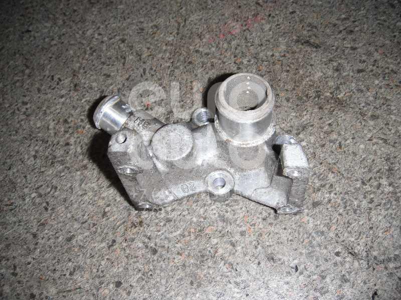 Фланец двигателя системы охлаждения для Ford Focus I 1998-2005;Focus II 2005-2008;Fiesta 1995-2001;Puma 1997-2002;Fusion 2002-2012;C-MAX 2003-2010;Fiesta 2001-2008;Mondeo IV 2007-2015;Focus II 2008-2011;Fiesta 2008>;Focus III 2011>;C-MAX 2010> - Фото №1