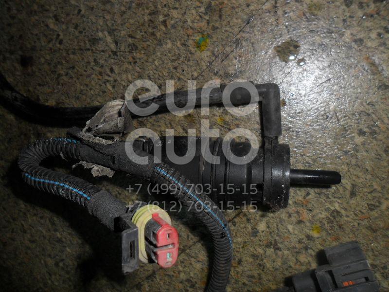 Насос омывателя для Skoda Vectra C 2002-2008;A2 [8Z0] 2000-2005;A4 [B5] 1994-2000;3-серия E36 1991-1998;3-серия E46 1998-2005;5-серия E39 1995-2003;7-серия E38 1994-2001;Octavia (A4 1U-) 2000-2011;A6 [C6,4F] 2005-2011 - Фото №1