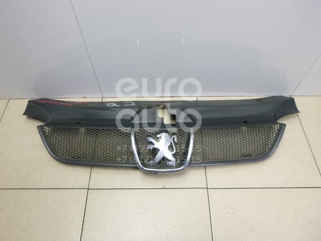 Купить Решетка радиатора Peugeot 406 1999-2004; (7804J2)