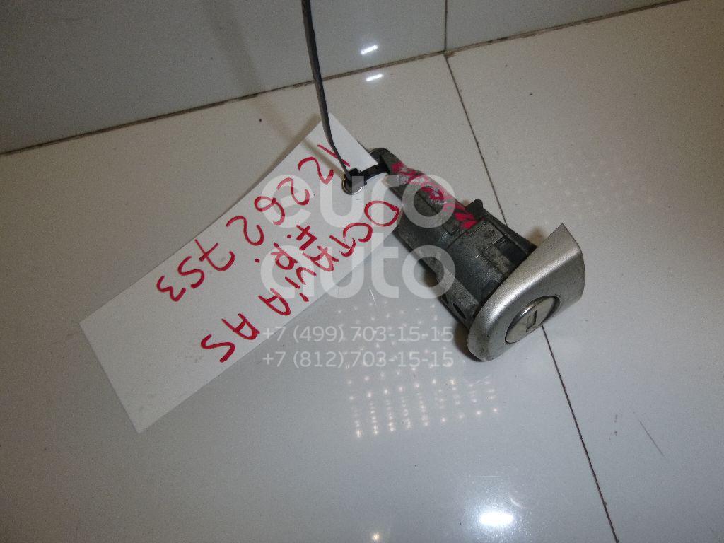 Вставка замка двери прав. Skoda Octavia (A5 1Z-) 2004-2013; (1Z0898168D)  - купить со скидкой