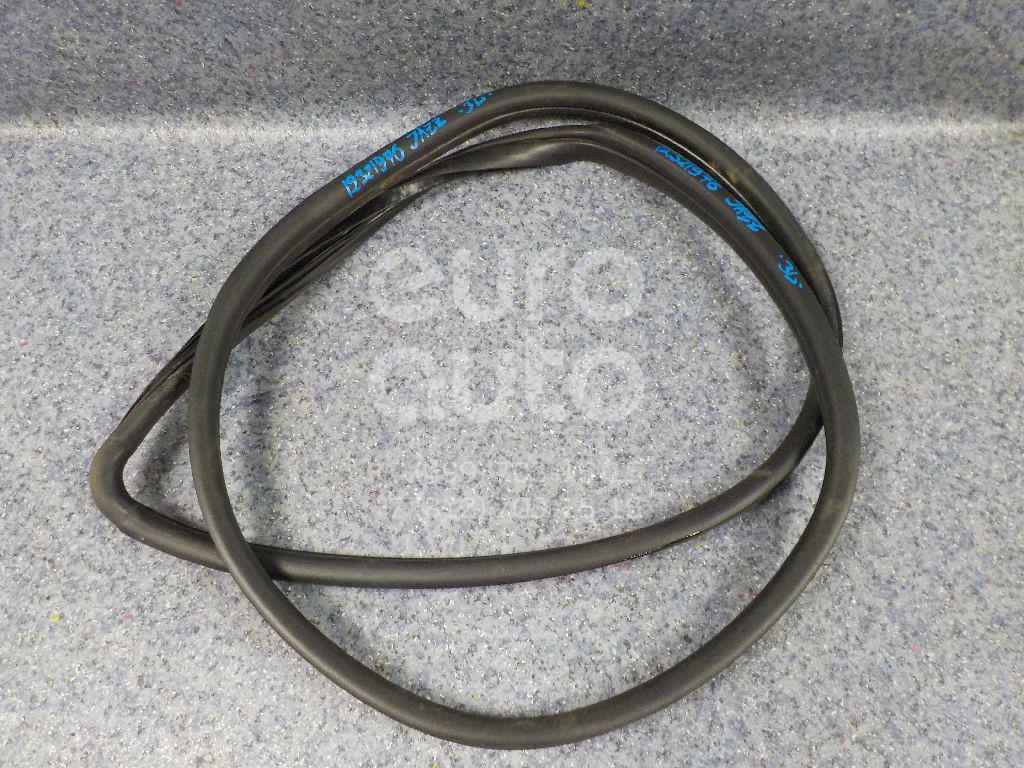 Купить Уплотнитель двери Honda Jazz 2002-2008; (72850SAAE01)