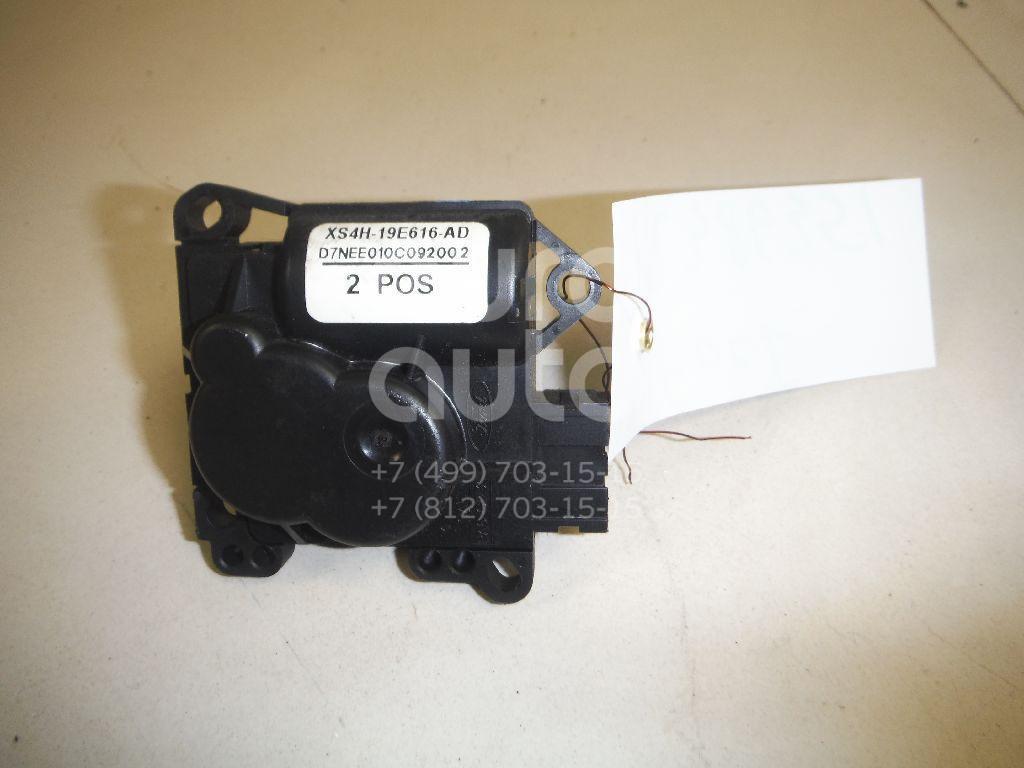 Моторчик заслонки отопителя Ford Focus I 1998-2005; (XS4H19E616AD)  - купить со скидкой