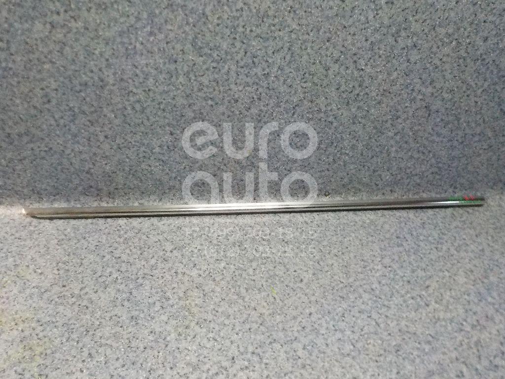 Купить Накладка стекла переднего правого VW Passat [B6] 2005-2010; (3C4837476B)