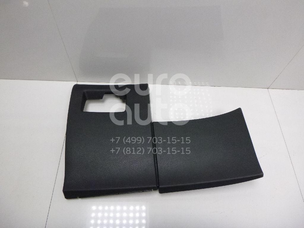 Купить Накладка (кузов внутри) Citroen C4 II 2011-; (8247R2)