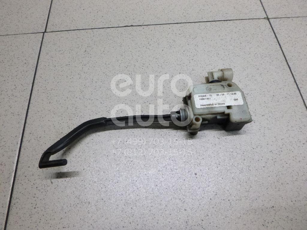Купить Активатор замка крышки бензобака Opel Astra H / Family 2004-2015; (13501151)